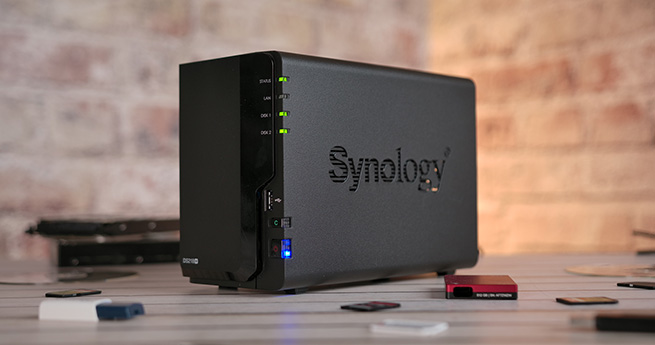 Synology_DS218_plus_1s.jpg