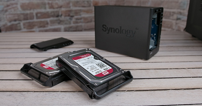 Synology_DS218_plus_3s.jpg