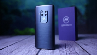 Test: Motorola One Zoom (Video)