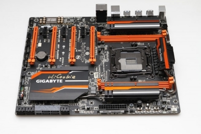 Test: Gigabyte GA-X99-SOC Champion