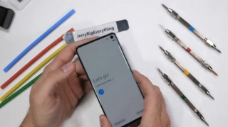 Samsung Galaxy S10 na testu izdržljivosti (video)