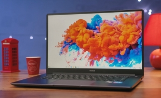 Pravo u lice uspavanoj konkurenciji - Honor MagicBook 15 (video)