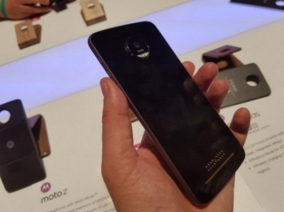 Benchmark na IFA 2016: Moto Z Hands On