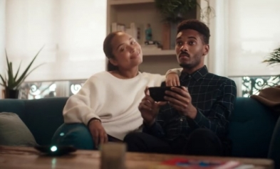Motorola u reklami ismeva i Apple i Samsung (video)