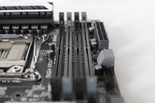 asus_x99a_016_s.jpg