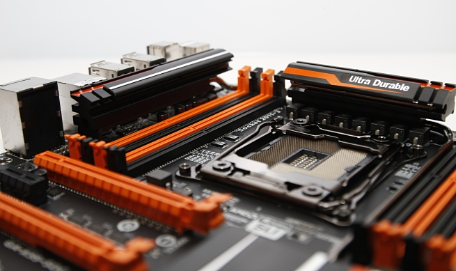 gigabyte_ga_x99_soc_force_037_s.jpg