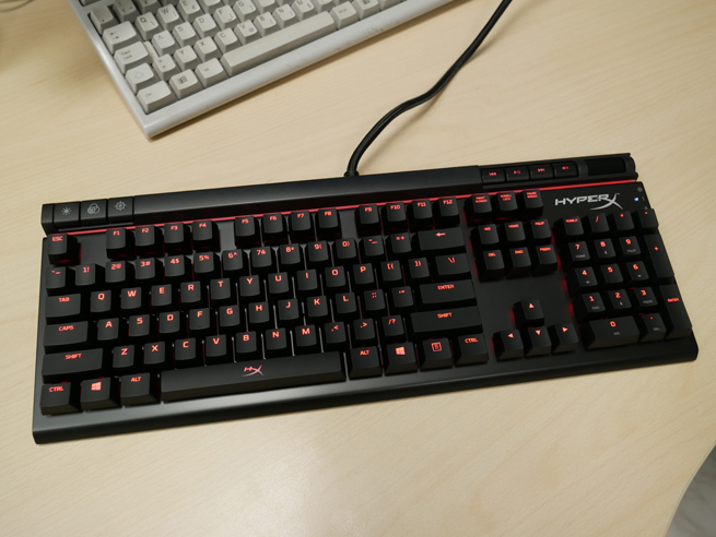 hyperx_alloy_elite_23_s.jpg