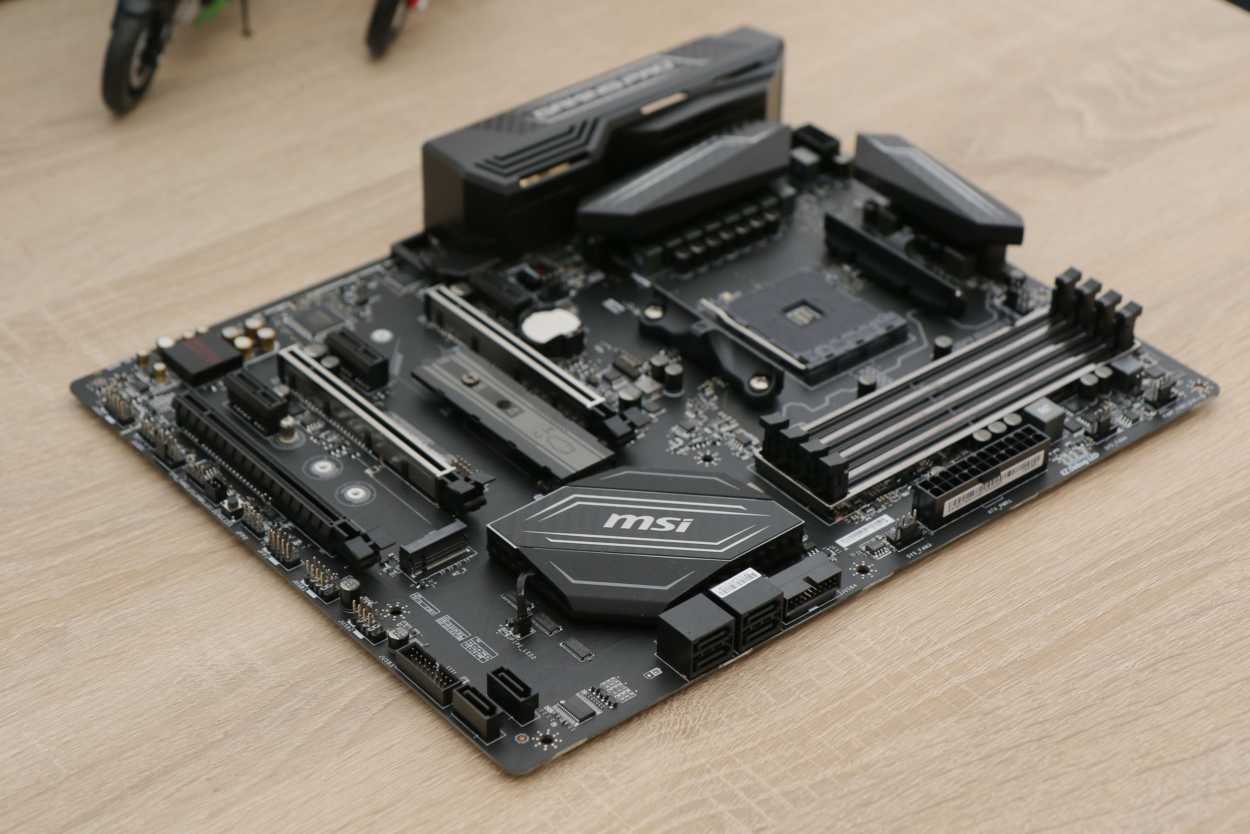 msi x370 gaming pro carbon 009 s