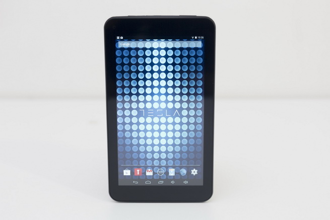 tesla_tablet_l713_1.jpg